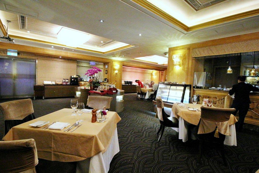 天成飯店,百合咖啡廳,台北車站吃到飽,
