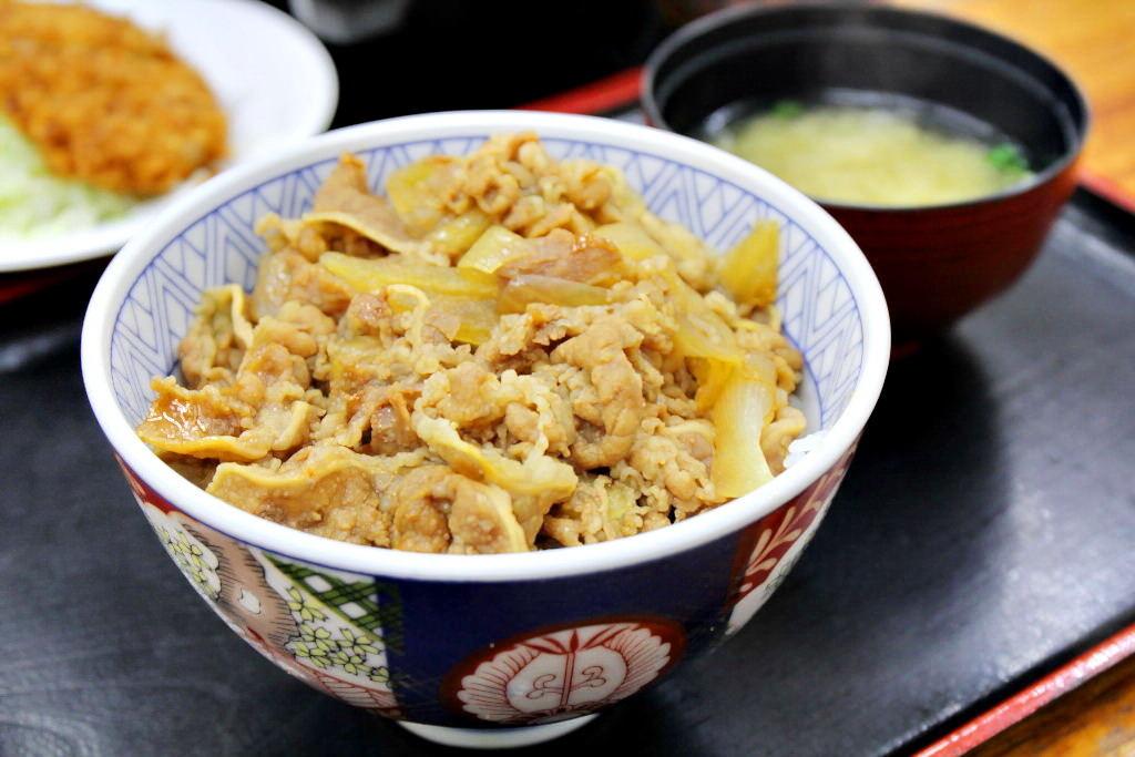 沖繩,國際通,背包客必吃,便宜早餐。